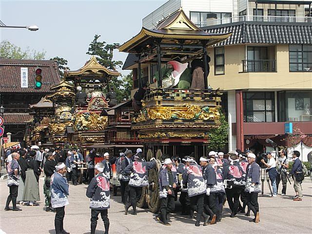 見に来られ 城端 曳山祭 (1)