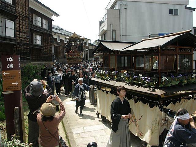 見に来られ 城端 曳山祭 (2)