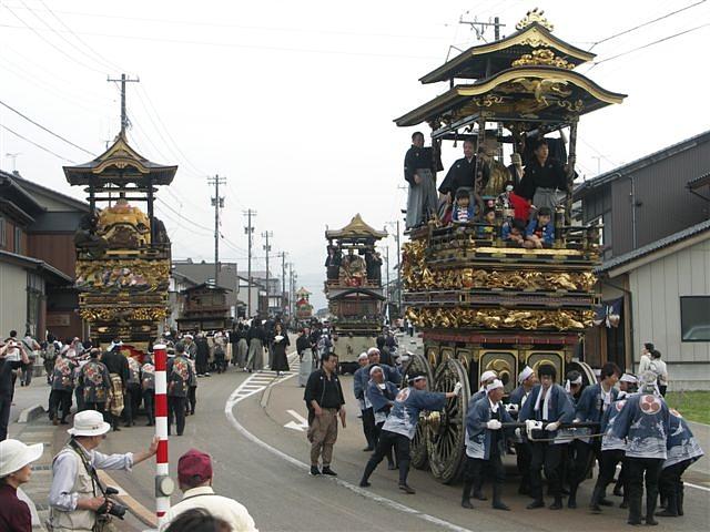 見に来られ 城端 曳山祭 (7)