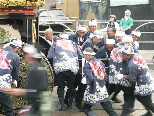 見に来られ 城端 曳山祭 (8)
