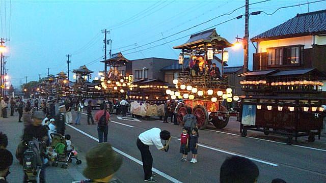 見に来られ 城端 曳山祭 (9)
