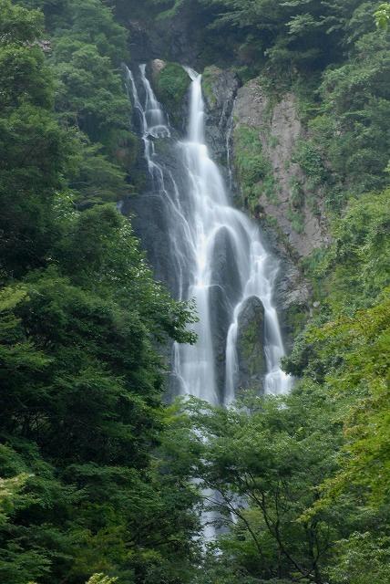 「滔々の滝」1