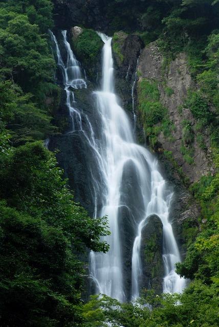 「滔々の滝」2