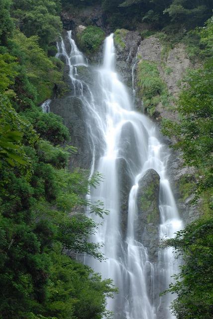 「滔々の滝」3