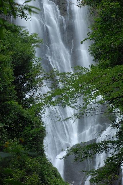 「滔々の滝」5