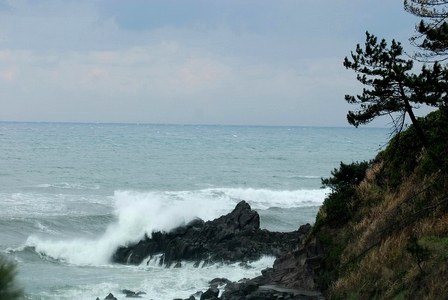 荒れる羽合海岸1