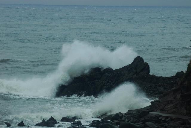 荒れる羽合海岸2