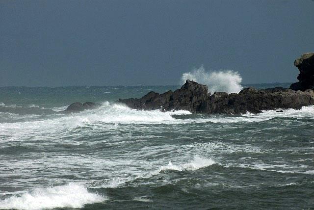 荒れる羽合海岸11