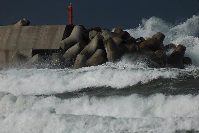 荒れる羽合海岸14