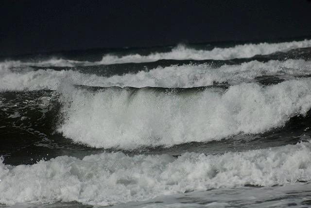 荒れる羽合海岸17