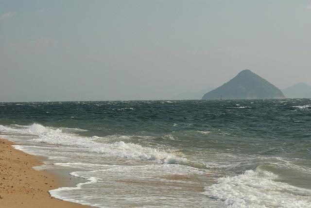 王子ヶ岳の浜