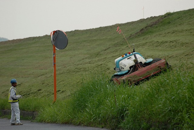 草刈りロボット1
