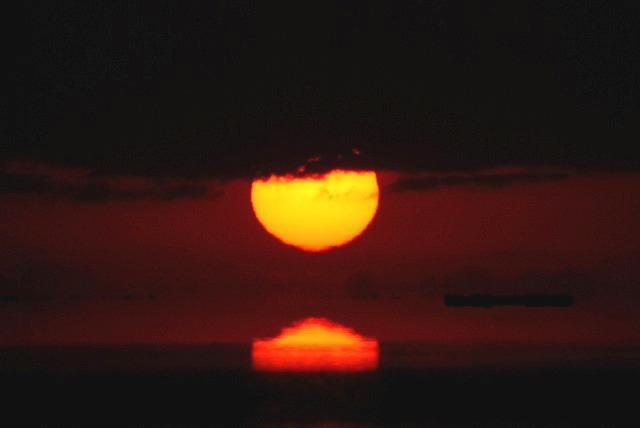 日の出13
