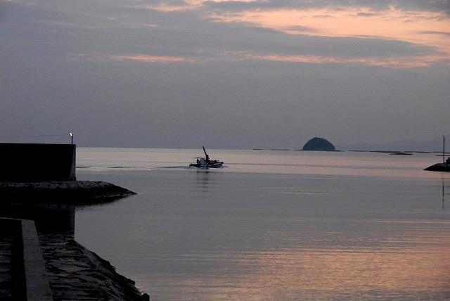玉津港の朝焼け3