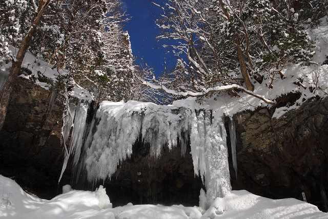 冬の岩井滝7