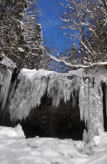 冬の岩井滝8