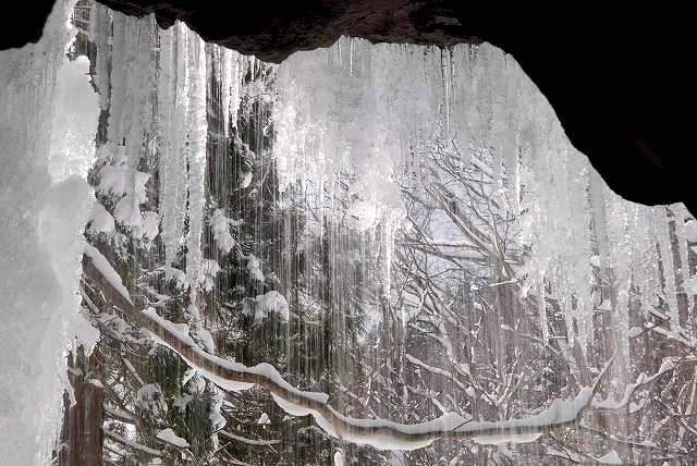 冬の岩井滝15