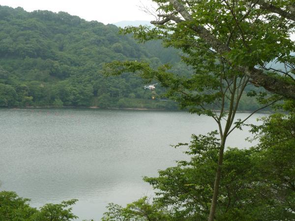 ヘリ湖水3