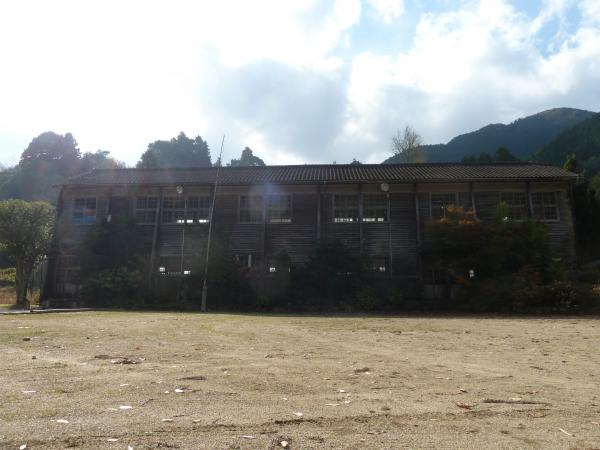 正面校舎2