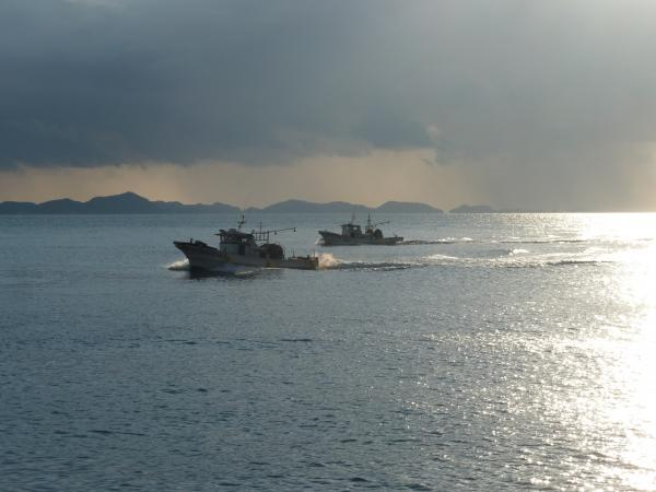 日没漁船4