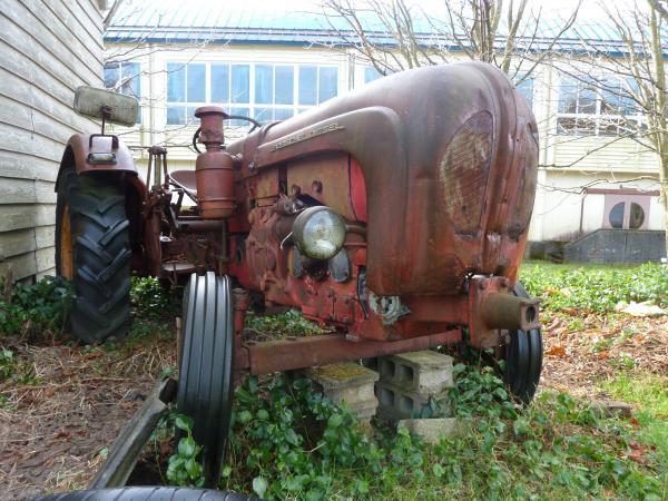 古いトラクター12