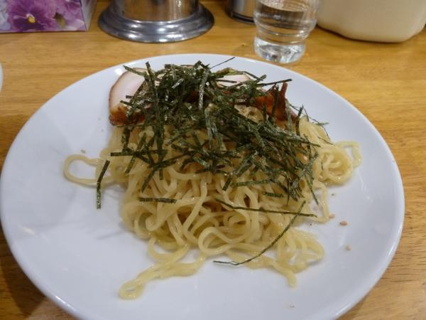 麺とチャーシュー4