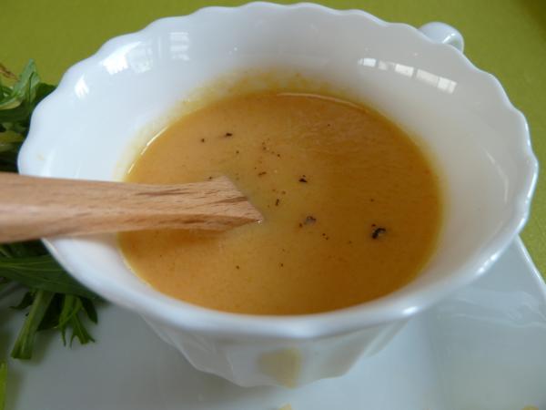 タマネギとにんじんのスープ8