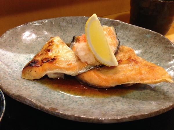 鮭のカマ塩焼き7