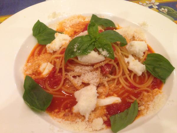 トマトとモッツアレラチーズのスパゲッティアップ7