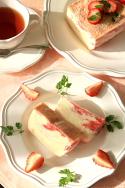 おいもやさんのストロベリーアイスケーキ