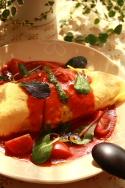 綿実油でバジルトマトソースオムライス