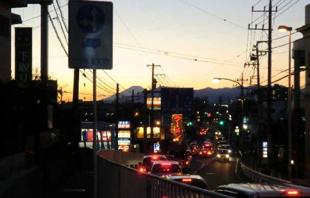 CIMG0462厚木街道から富士を臨む