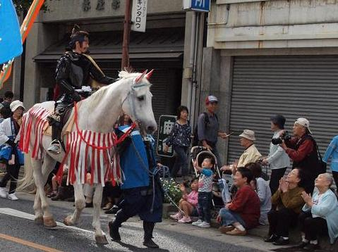 馬と子供 020