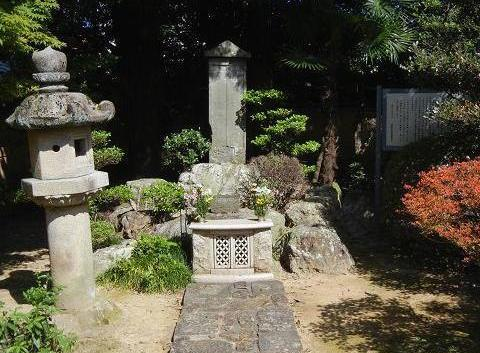 信長墓 022