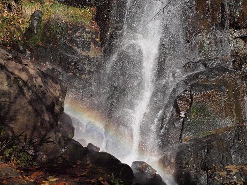 滝壺の虹 061