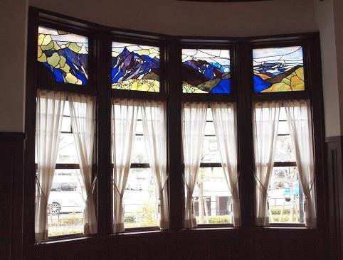 ステンドグラスと窓 80