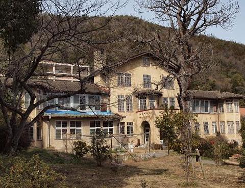ツッカーハウス114
