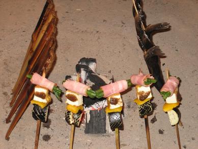 平家八百年伝統囲炉裏焼き・・日光岩魚串・一升べら・平家落人串