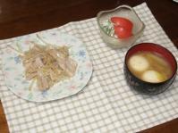 12/22 夕食 豚トロともやしのネギ塩炒め、ローストビーフサラダ、エビじゃがもちのスープ