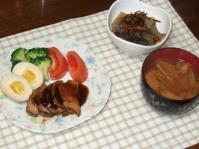 1/6 夕食 煮豚、味付け玉子、手作りこんにゃくの松前和え、もやしの味噌汁