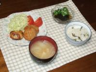 3/22 夕食 レンジとんかつ、オクラもずく酢、大根の味噌汁、えんどう豆ご飯