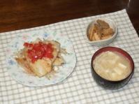 3/25 夕食 鰈のソテー、こんにゃくとタケノコの炒り煮、豆腐とエノキの味噌汁