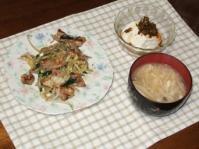 3/27 夕食 肉野菜炒め、温奴、キノコの味噌汁