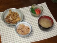 4/23 夕食 豚肉と筍の炒め煮、こんにゃくソーメン、もやしの味噌汁、タコ飯