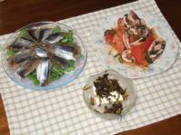 7/5 夕食 イカとトマトのにんにく炒め、スモークさんま、冷奴高菜のせ