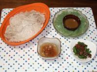 9/11 夕食 豚肉ともやしのレンジ蒸し、刺身こんにゃく、いんげんと干しえびのザーサイ炒め