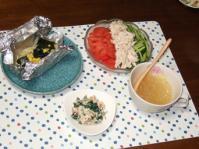 9/16 夕食 鮭とわかめの塩麹バター蒸し、棒棒鶏サラダ、ほうれん草の白和え、ゼリーコンソメスープ