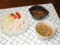 9/29 夕食 ゆで鶏胸肉(塩麹漬け)、きんぴらごぼう(醤油麹)、春雨スープ