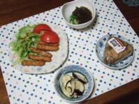 10/3 夕食 軟骨入りチキンスティック、ナスの塩麹漬、オクラもずく酢、五目御飯おにぎり