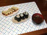 10/21 夕食 干し小エビ入り玉子焼き、おにぎり、しじみの味噌汁